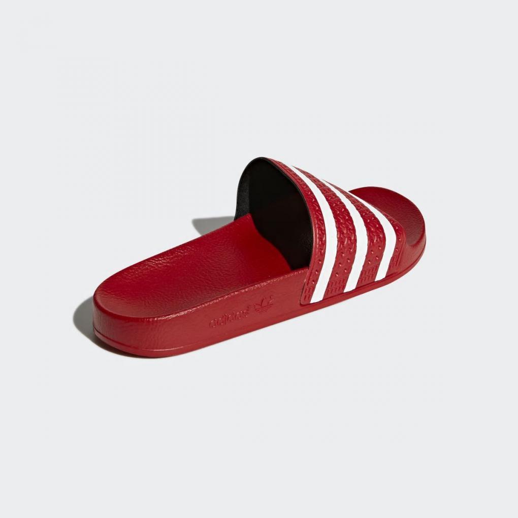 professionnel de premier plan dégagement très convoité gamme de Adidas Et TongsHommefemme Rouge Sandale Sandales Adilette ...